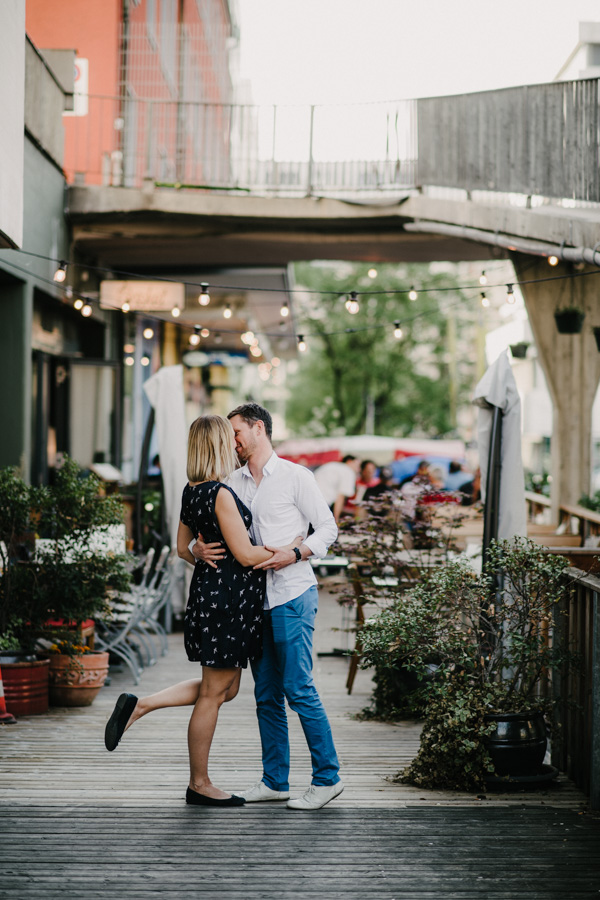 Fotoshooting Paar auf der Strasse