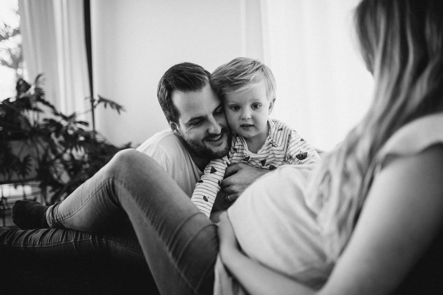 Papa und Sohn Schwangerschaft